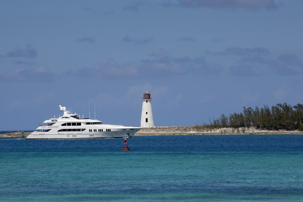 Destinations bahamas nassau lighthouse x