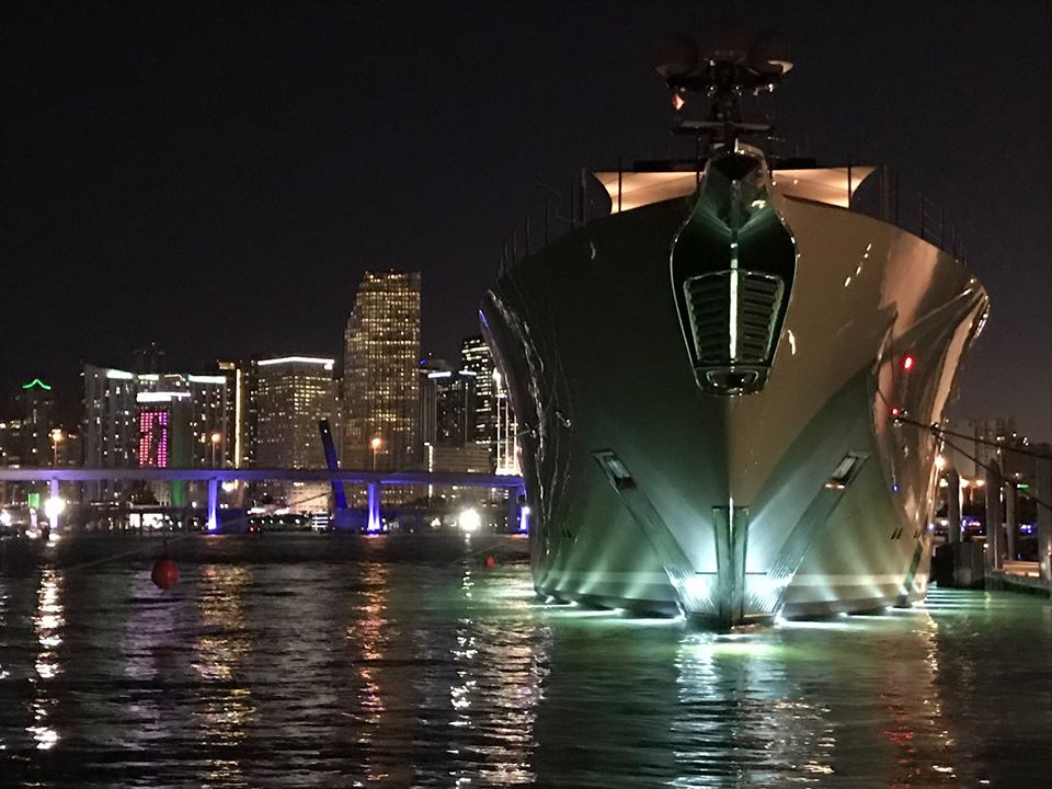 miami yacht charter at night